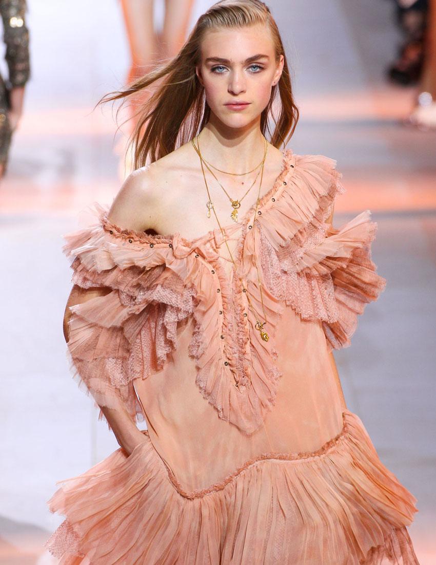 ss16 fashion show hairstyles roberto cavalli slicked back 850 x 1100