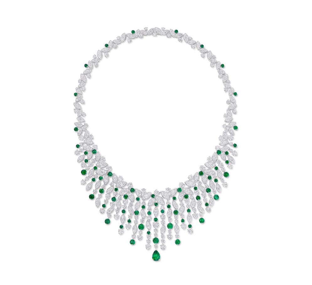 graff emerald and diamond necklace shop the boulevard at studio city macau 994 x 910