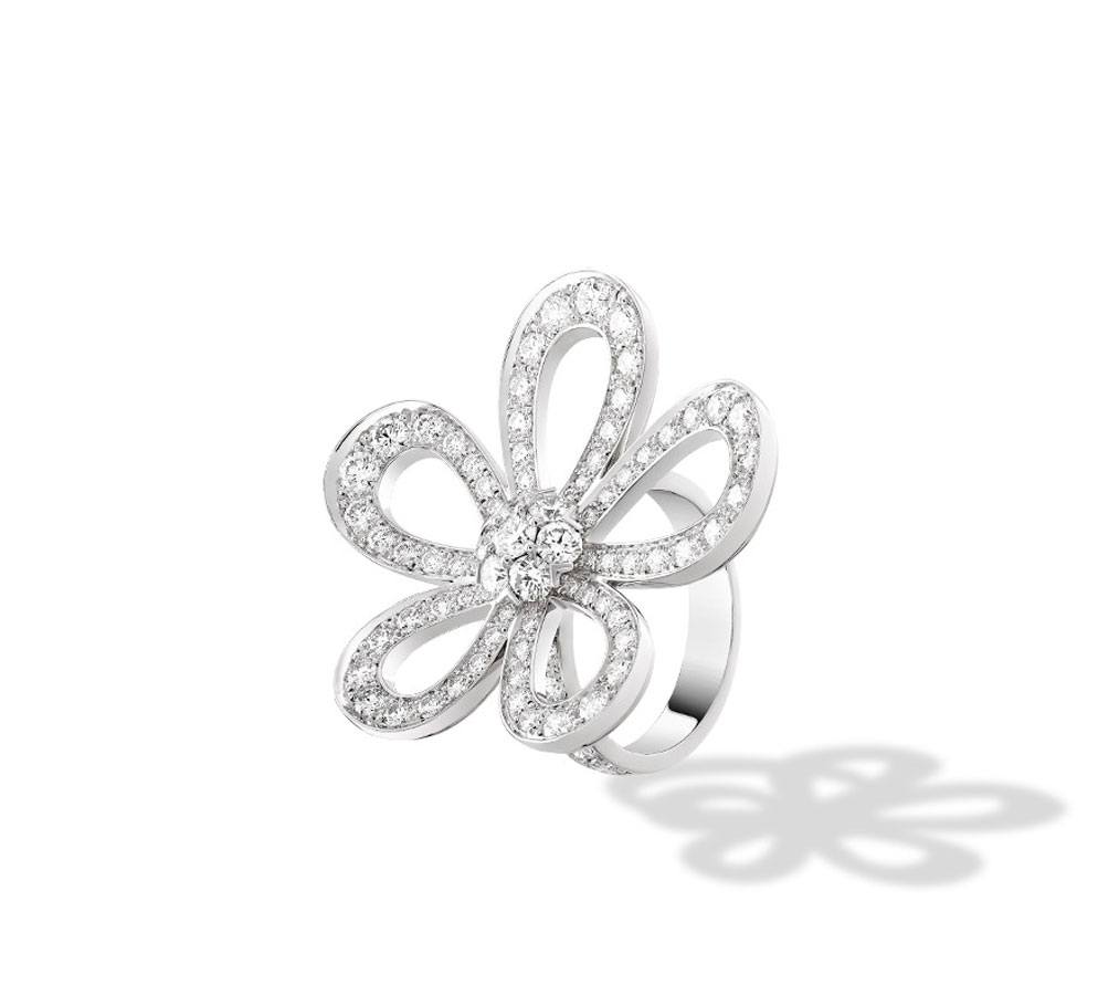 Van Cleef and Arpels White Gold Ring shop the boulevard at studio city macau 994 x 910