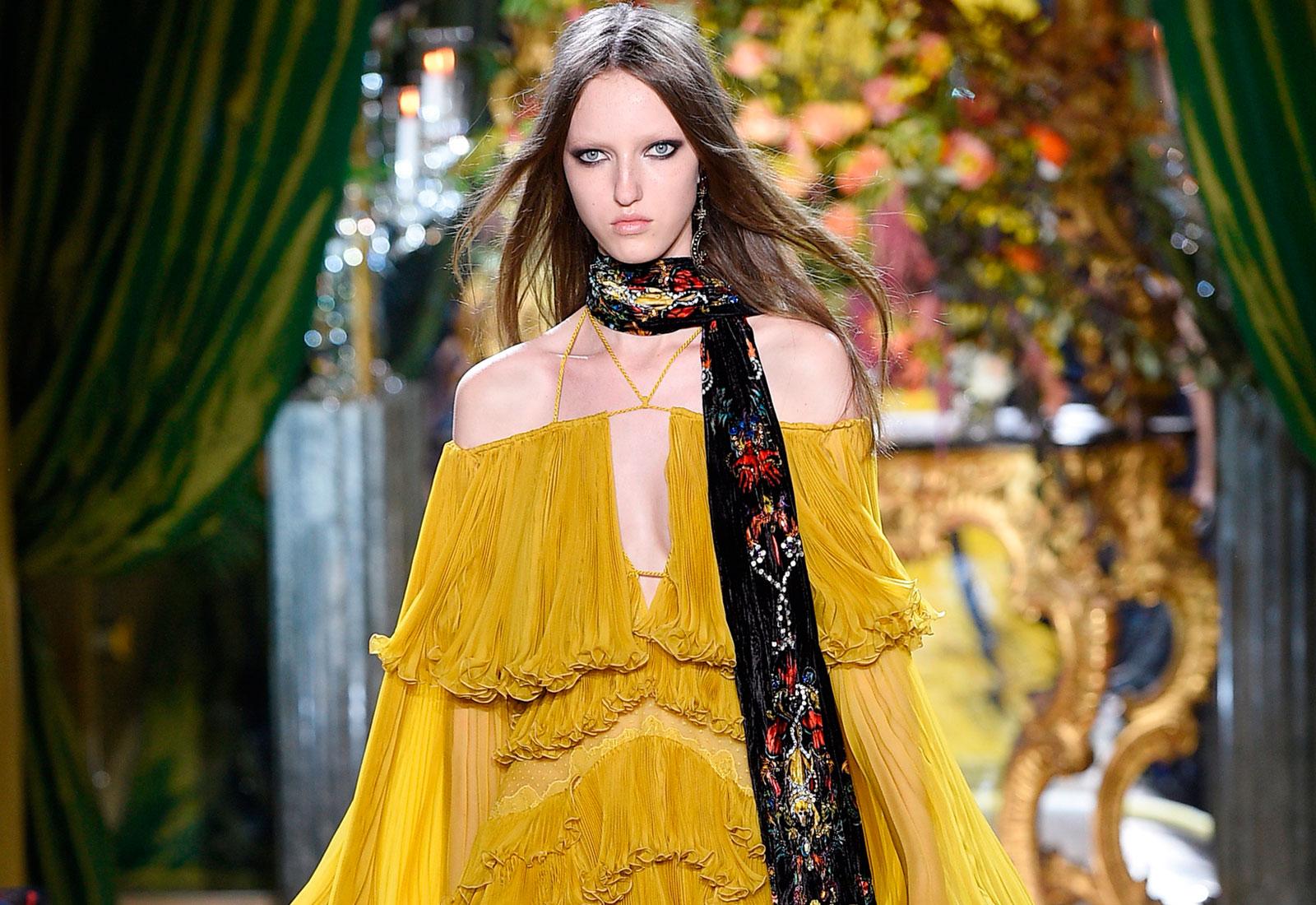 roberto cavalli yellow ruffle dress aw16/17 fashion trends 1600 x 1100