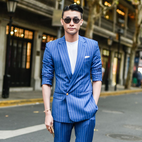 man in casual blue double breasted suit 600 x 600