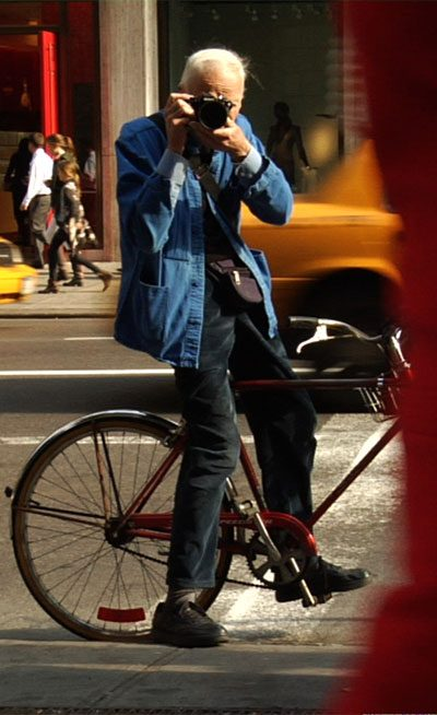 bill cunningham new york street self-portrait fashion photography 400 x 654