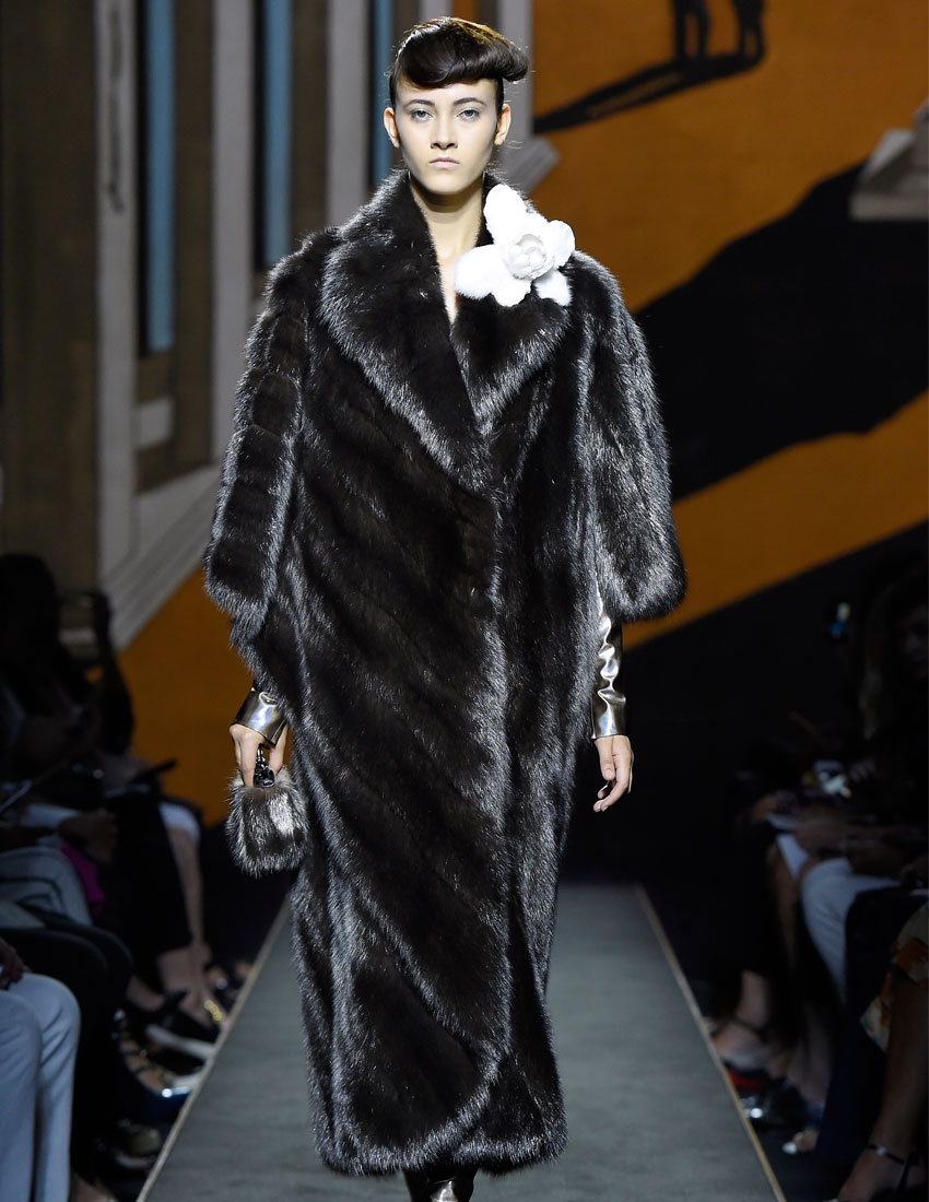 fendi fashion top iconic looks featuring one million euro fur coat at aw15 runway 850x1100