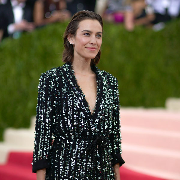 leaf greener column on body image featuring model alexa chung at red carpet 600 x 600
