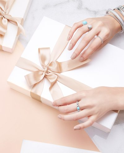 2016 top christmas gifts for her gift wrapping van cleef & arpels prelee visuals